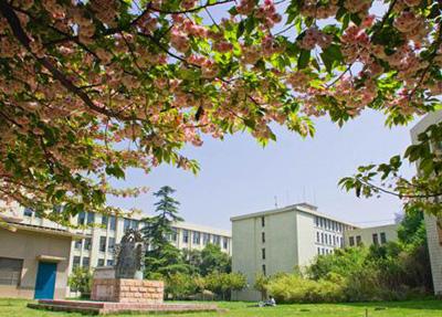 第一:参考重庆青年职学院历年单招线