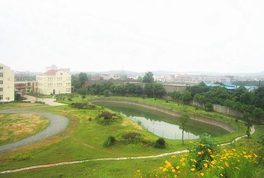 南昌华中汽车技术学校
