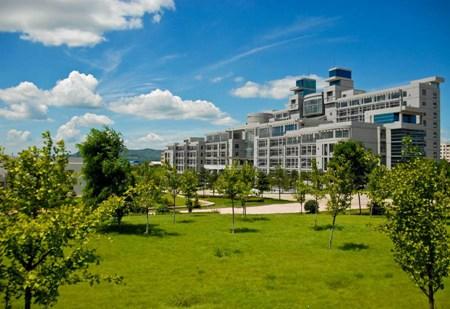 重庆市三峡水利电力学校学费是多少