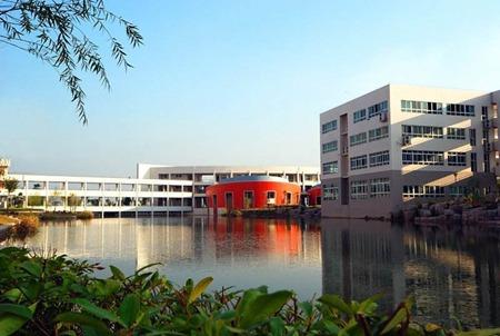 四川红十字卫生学校乘车路线怎么走?