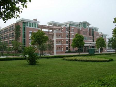 四川省乐山市第一职业高级中学地址在哪里?
