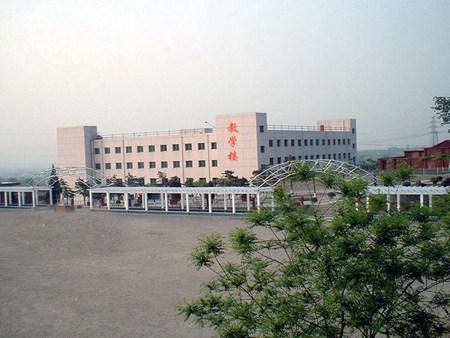 重庆市江南职业学校学费是多少